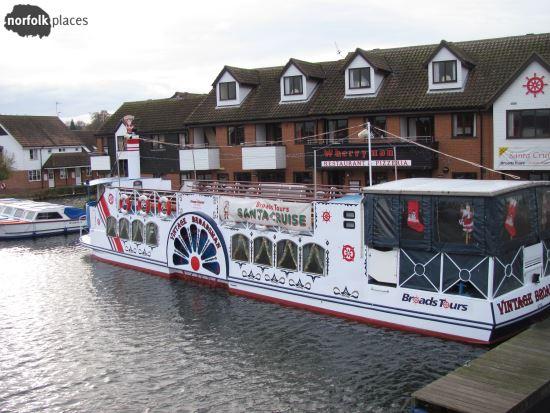 Santa Cruise – Broads Tours