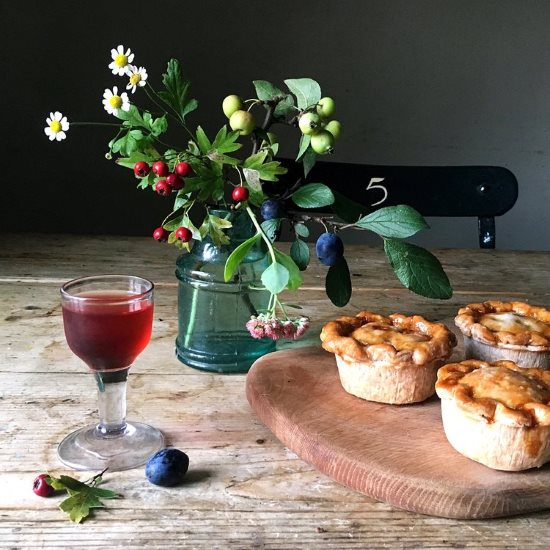 Pork Pies and drink