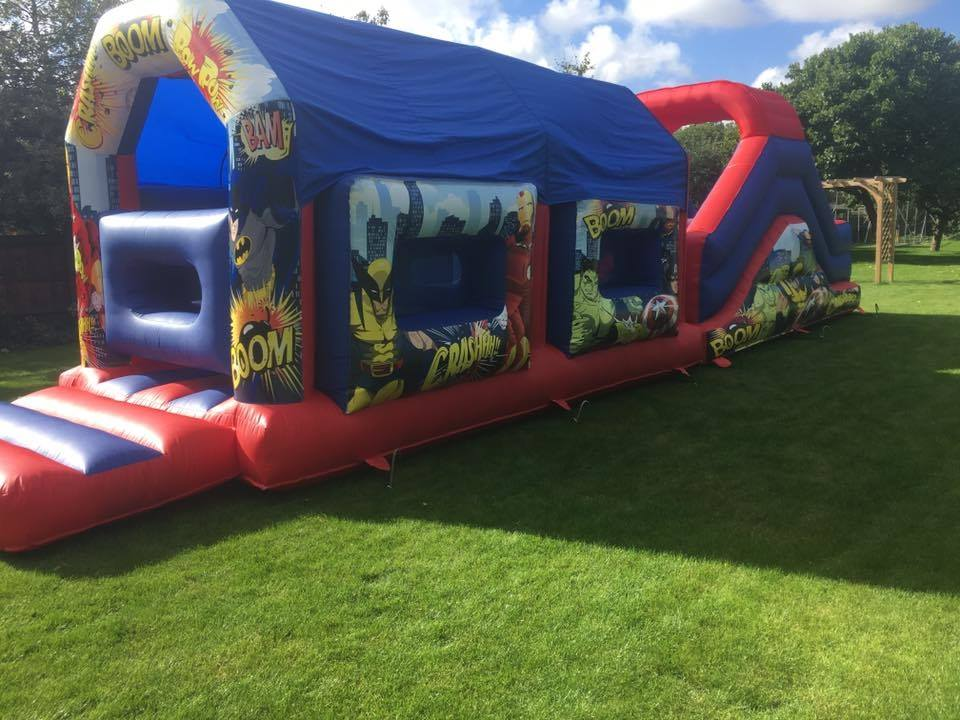 superhero-bouncy-castle