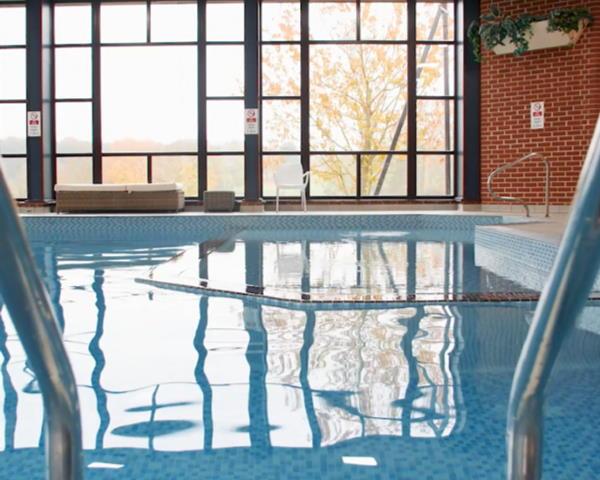 Swimming-pool-at-Barnham-Broom